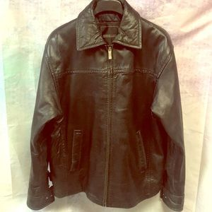 Excelled. Men's black leather coat. Size small.